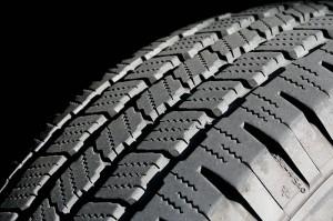 800px-Tire_tread-300x199